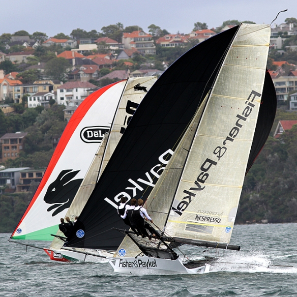 fisher & paykel chases de'longhi-rabbitohs down the first spinnaker run